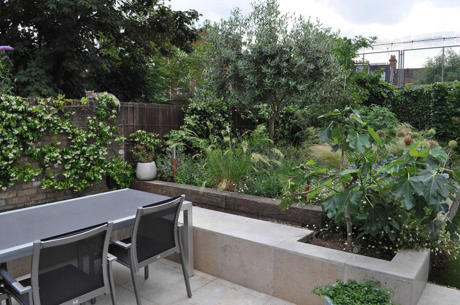 perennials-and-grasses-terrace-seating-Summer